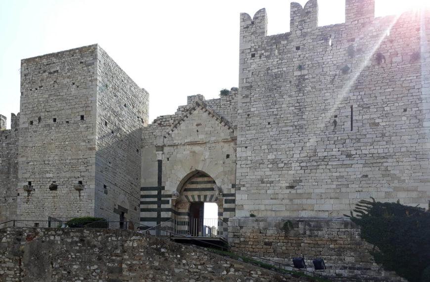 Rifacimento dei camminamenti del Castello dell'Imperatore a Prato